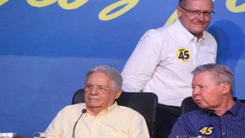 Artur chama Alckmin de 'cara de pau' e 'falso' e desiste das prévias