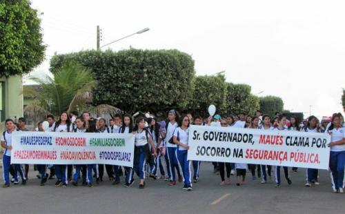 Maués, tem somente 17 PMs para cuidar da segurança; moradores protestam