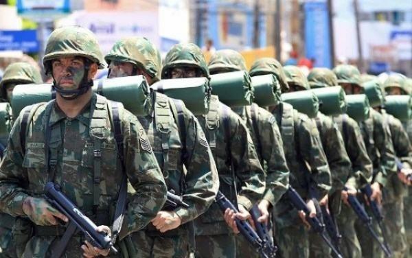Marinha abre 1.300 vagas para fuzileiros navais