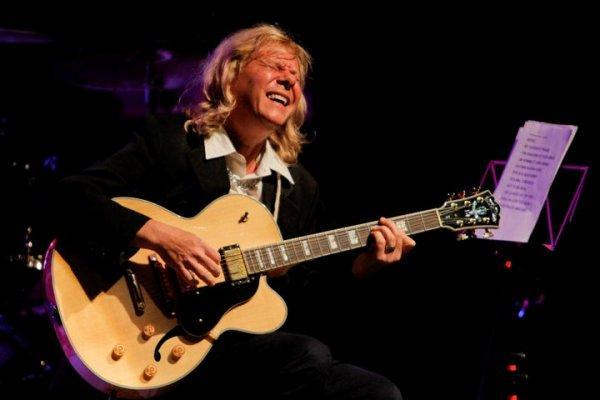 Guitarrista Victor Biglione ministrará oficina no Centro Cultural Usina Chaminé