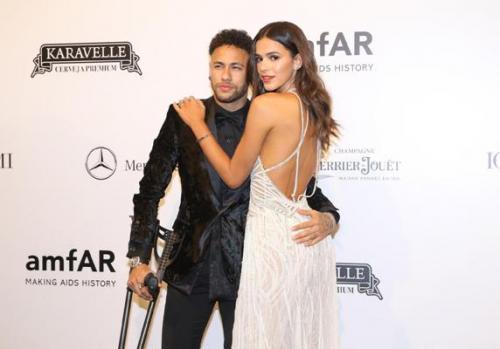 Neymar mancando, Sabrina de bengala e astro do cinema: tudo sobre o amfAR