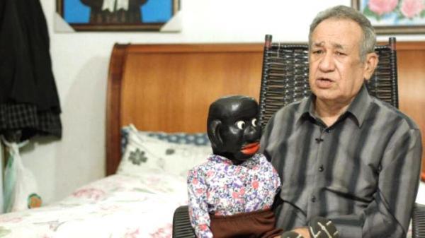Relembre a trajetória de Oscarino Varjão, criador do boneco Peteleco