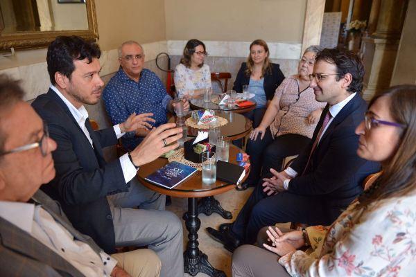 Embaixada da Itália propõe parcerias para eventos em espaços culturais da SEC