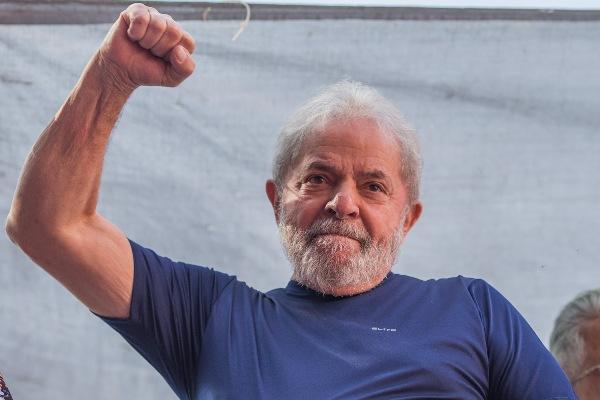 TSE pode cassar candidatura de Lula antecipadamente, na terça (29)