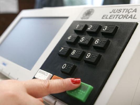 Eleitores de 20 municípios do país retornam às urnas neste domingo (03)