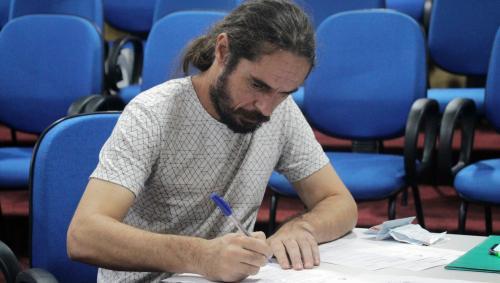 Câmara de Manaus realiza atualização de cadastro dos aprovados no concurso de 2003