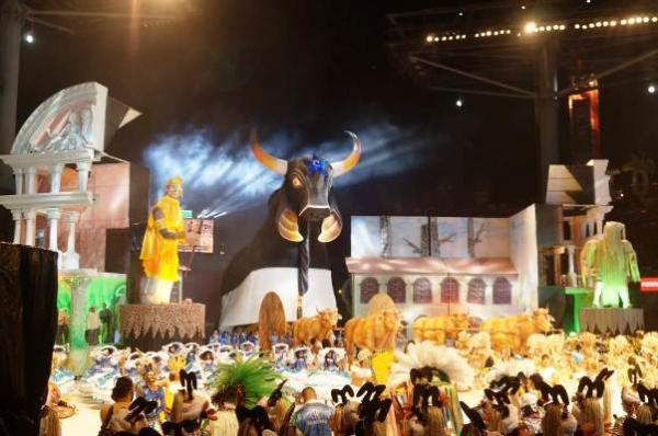 'Boi de Negro' marca apresentação do Caprichoso deste sábado (30)