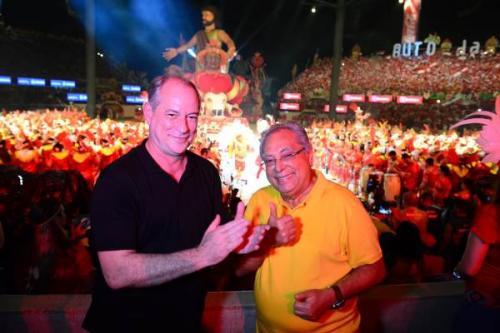 Amazonino Mendes recebe Ciro Gomes, no Bumbódromo de Parintins