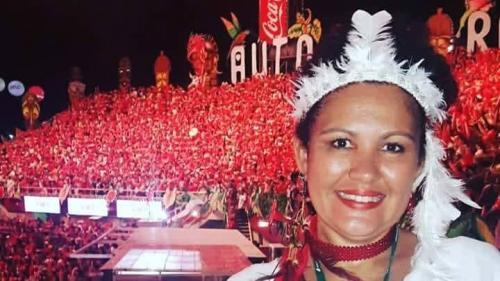 MINHA SELF | Josiane Neves assistindo ao seu boi do coração, no Bumbódromo