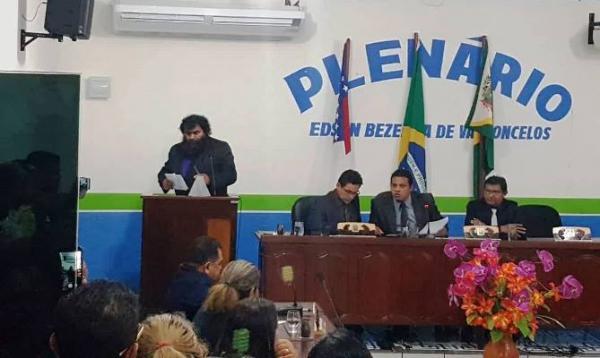 Rosivaldo Massarico é o novo prefeito de Novo Airão