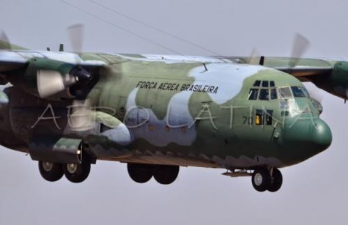 Avião da FAB, que saiu de Manaus, faz pouso de emergência em GO