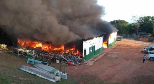 Incêndio destrói Secretaria de Obras de Silves