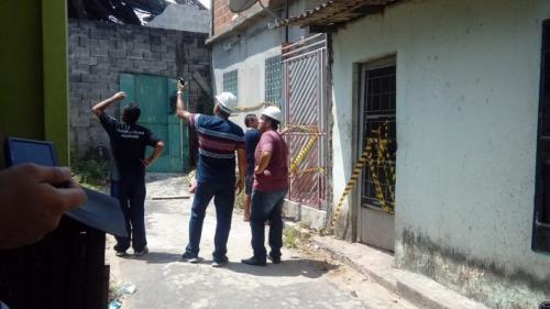 Casas próximas a supermercado seguem interditadas, em Manaus