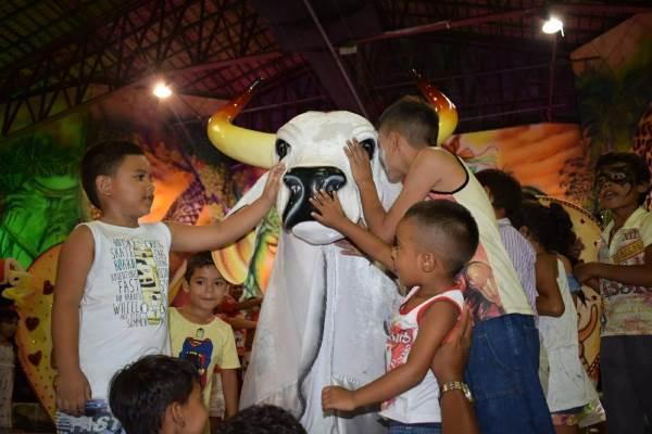 Garantido promove homenagem às crianças perrechés, em Parintins e Manaus