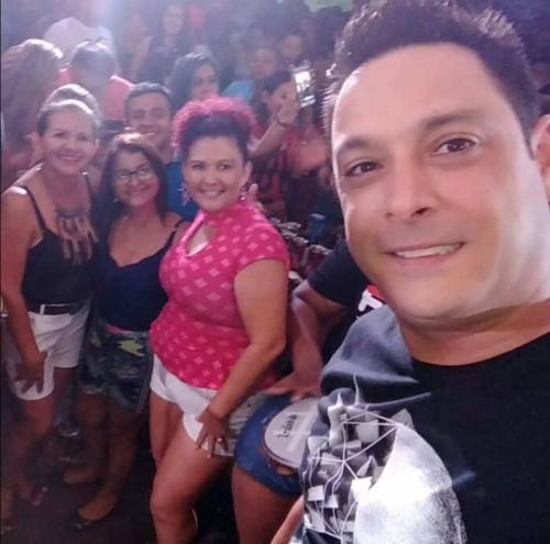 MINHA SELF | Jô Fashion com amigos e o cantor Vavá, em Manaus