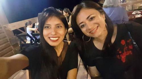 MINHA SELF | As amigas Rafaella e Adriele prestigiam concurso de poesia, em Santarém