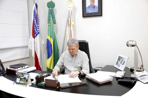 Arthur formaliza a Temer pedido de apoio às vítimas do incêndio do Educandos
