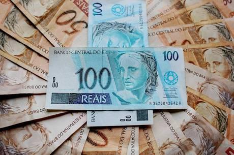 Orçamento de 2019 prevê salário mínimo de R$ 1.006