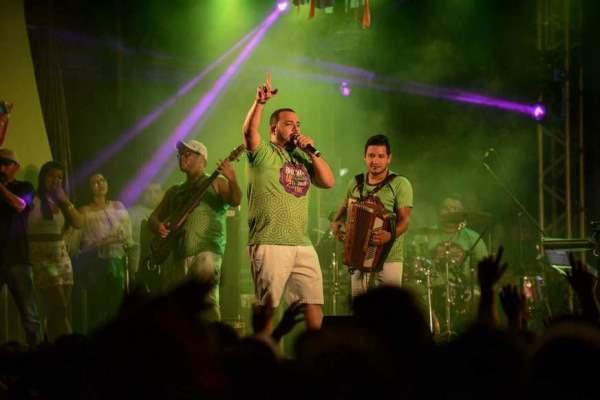 Banda do DJ Evandro Jr. abre Carnaval no Sambódromo