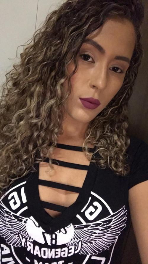 MINHA SELF | Thatiane Gomes indo curtir a noite com amigos, no Piauí