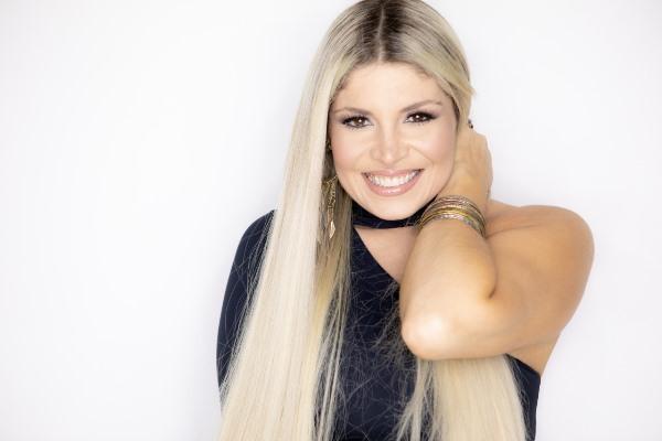 Adryana Ribeiro é a atração nacional da 'Meia Noite Acaba'