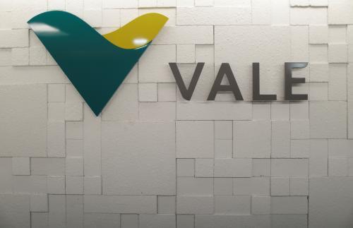 Vale anuncia doação de R$ 100 mil a cada família de vítimas