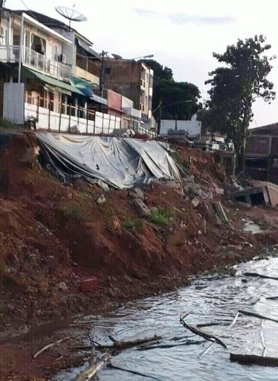 Erosão ameaça desabar a Orla de Juruti