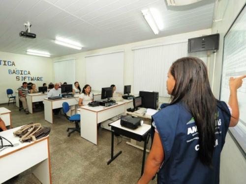 Cetam abre ano letivo com mais de 1 mil alunos em Manaus