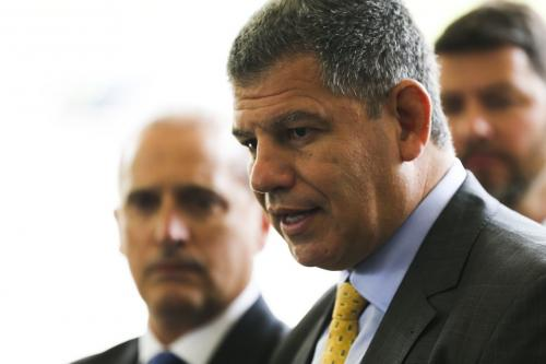 Bolsonaro desconfia que Bebianno é 'informante' da Globo, diz Noblat