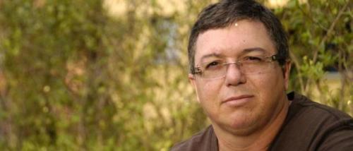 Boninho distribui broncas na Globo e anda inseguro com Leifert