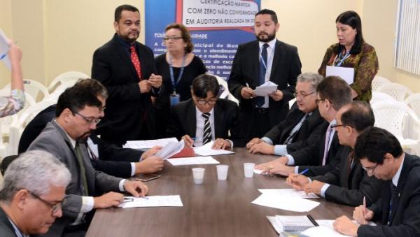 CCJ da Câmara de Manaus aprova proibição de flanelinhas em áreas públicas