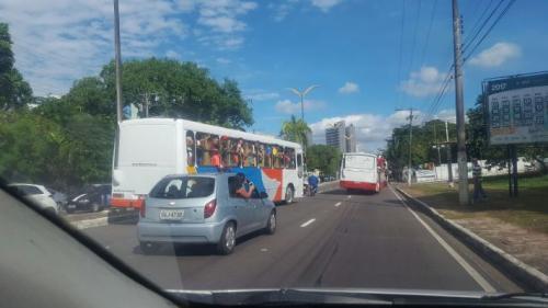 Em operação 'Lei Seca', Detran-AM autua 347 motoristas e apreende dez ônibus