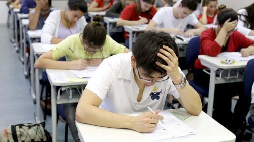 Estudantes têm até esta sexta-feira (10)  para se inscrever no Fies