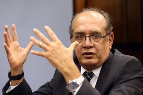 Gilmar Mendes libera posse de três prefeitos inelegíveis