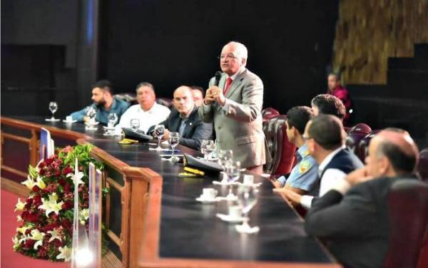 Governo do AM confirma concurso para polícias Civil, Militar e Bombeiros
