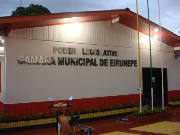 Juiz suspende salários de prefeito, vereadores e secretários de Eirunepé
