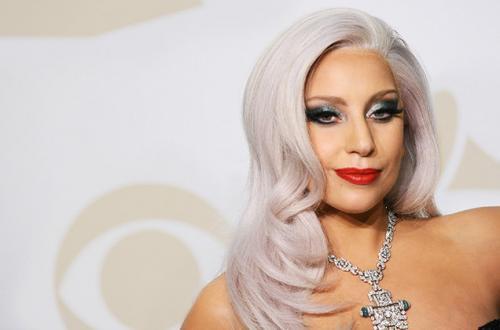 Lady Gaga atropela cachorro em clipe de 'John Wayne' e cria polêmica