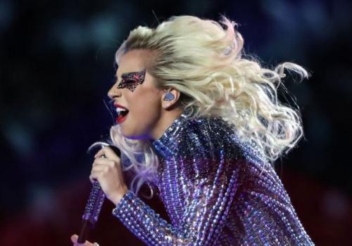 Lady Gaga rebate críticas sobre seu corpo: 'Estou orgulhosa dele'