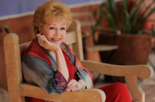 Morre a atriz Debbie Reynolds, mãe de Carrie Fisher, um dia após a filha