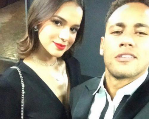 Neymar planeja noivado discreto com Bruna Marquezine, diz colunista