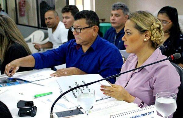 Vereadores obtém verba para o Carnailha e reúnem com Prefeitura